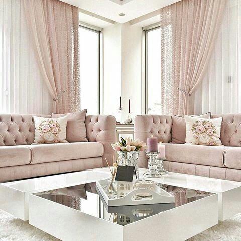 Pesta merah jambu di ruang tamu impiana for Makeup by tiffany d living room