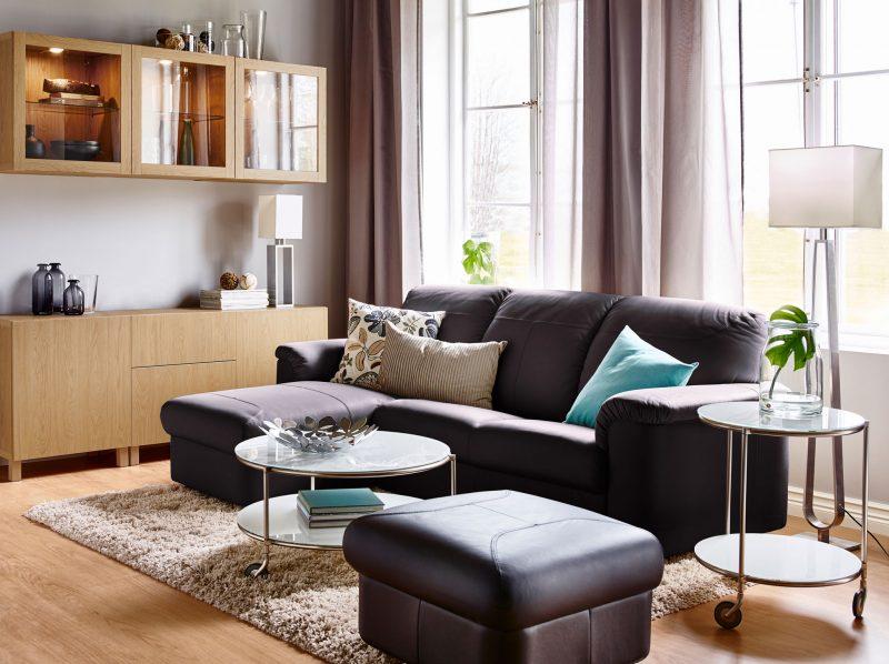 Jika Untuk Ruang Keluarga Pilih Sofa Dengan Kusyen Lembut Dan Tebal Tamu Formal Mestilah Sesuatu