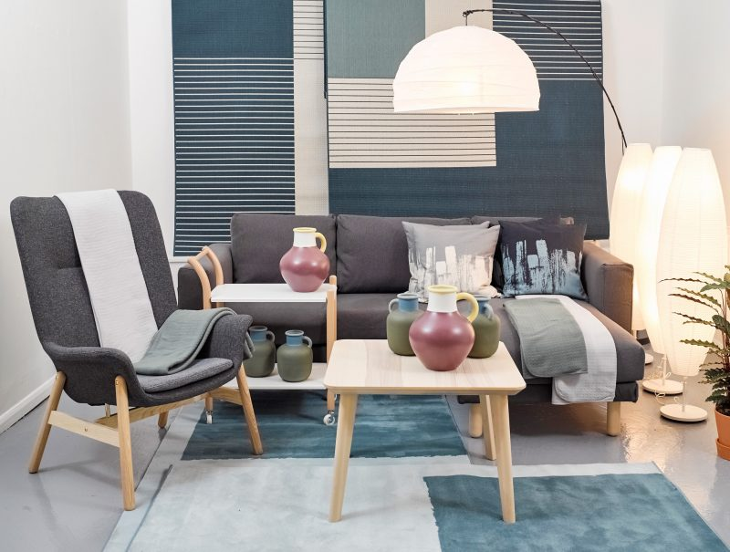 3 Ambil Perhatian Pada Bentuk Sofa Ketika Duduk Tapak Kaki Anda Harus Menjejak Ke Lantai Dan Tidak Tergantung Begitu Juga Dengan Kedalaman